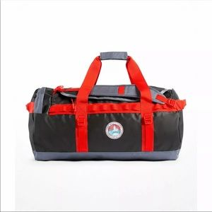 NWT The North Face Base Camp Duffel - Size M